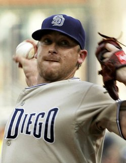 padres_pirates_baseball_paks101_t593.jpg