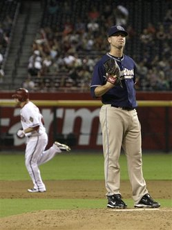 191122_Padres_Diamondbacks_Baseball.jpg