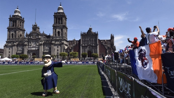 PadresMexico1280_8xn26jaq_d2a30fct